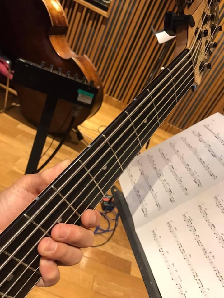 ミュージカルのオケの音撮りとベースの読譜について