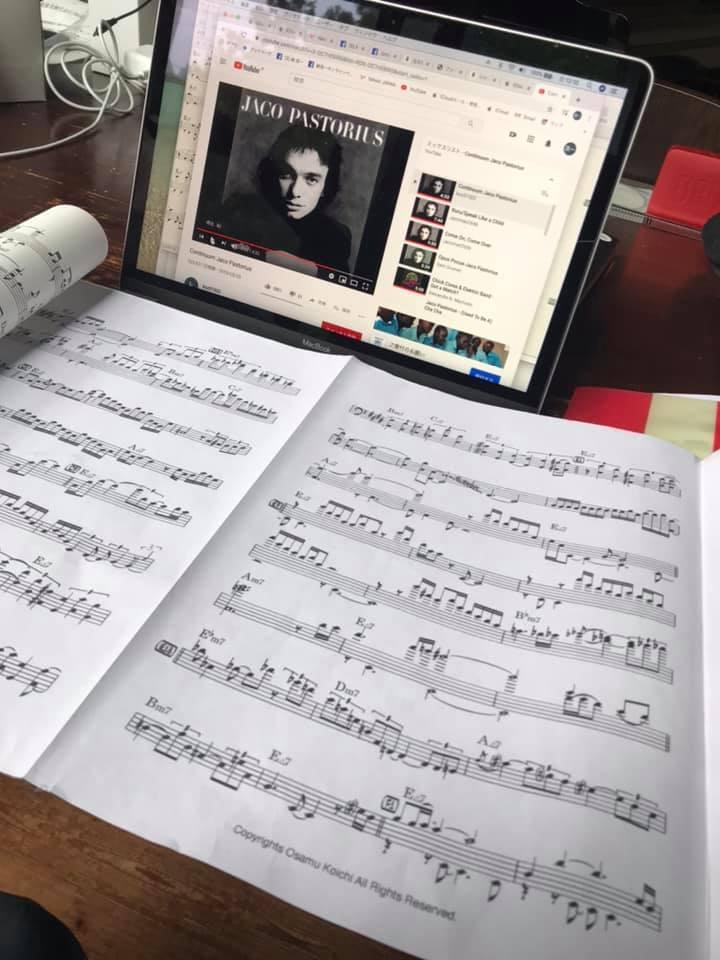 ジャコの「Continuum」を練習しています。